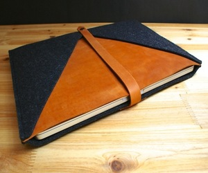 MacBook Pro Sleeve By TheNavis