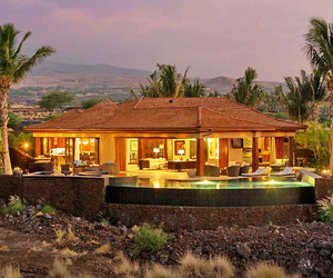 Magnificent Island-inspired Retreat: Hualalai Estate