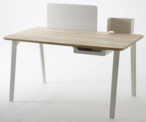 Mantis Desk by Samuel Wilkinson
