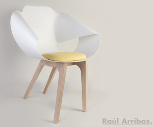 Marga armchair by Raúl Arribas