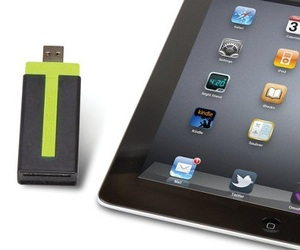 Maxell AirStash Wireless Flash Drive for iPad