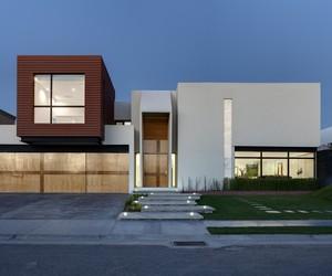 Minimalist Cubo House