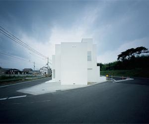 Minimalist White Diffusion House by Form/Kouichi