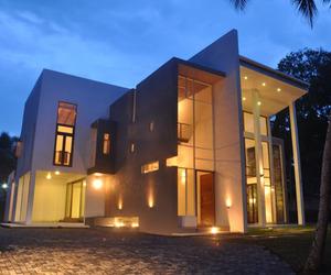 Modern Architecture in Sri Lanka: Chamila & Rohitha House