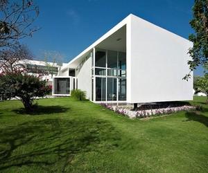 Modern Architecture Uro House by 7XA Taller De Arquitectura