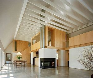 Modern Barn in Connecticut by Specht Harpman