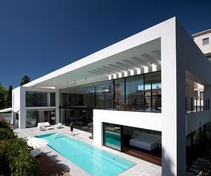 Modern Bauhaus Mansion In Israel