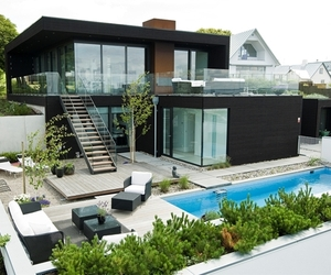Modern Beach House In Sweden