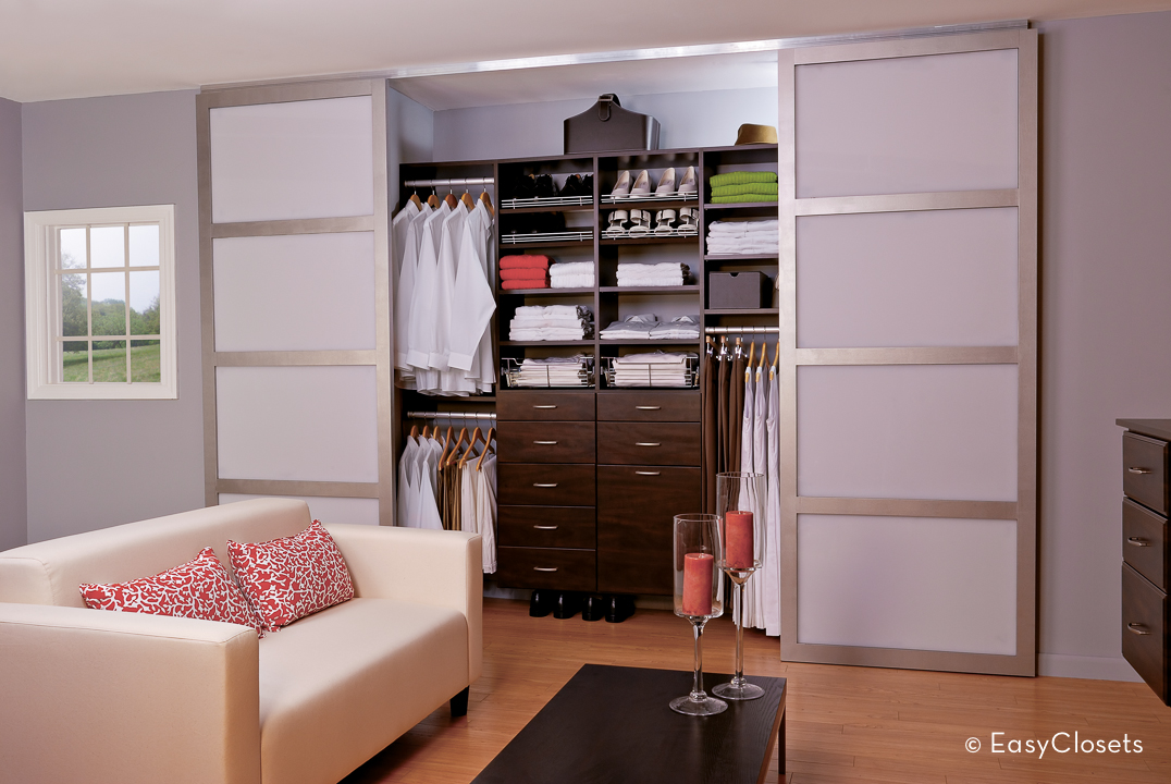 modern closet organization by easyclosets. Black Bedroom Furniture Sets. Home Design Ideas