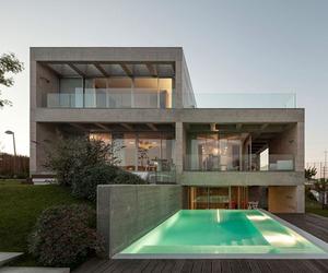 Modern Concrete House in Lisbon
