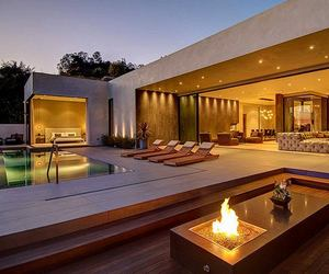 Modern home with great views in LA
