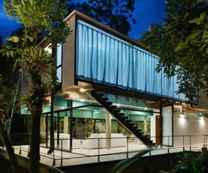 Modern House in Iporanga by Nitsche Associated Architects
