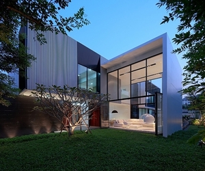 Modern Mansion For Modern Family