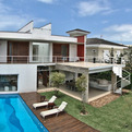 Pernambuco House in Brazil Defined by Architectural Symmetry