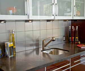 Modern / Retro Kitchen in Palo Alto by Danenberg Design