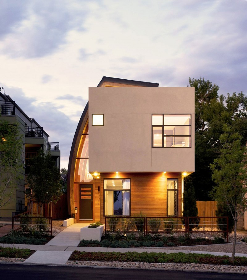 Modern shield house in denver colorado for Modern home design usa