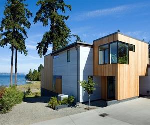 Modern Waterfront Home on Bainbridge Island