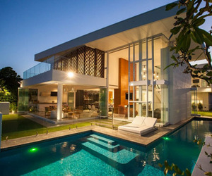 Modern Waterfront Retreat Residence in Australia