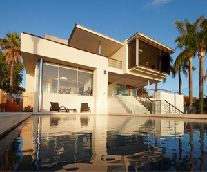 Mount Pleasant Residence by Wright Feldhusen Architects