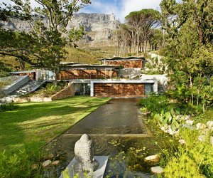 Mountain House by Van Der merwe Miszewski Architects
