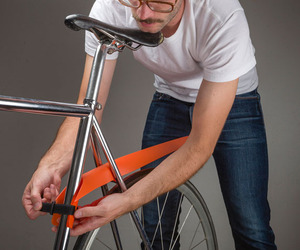 MUSGUARD: rollable bicycle fender by Jurij Lozić