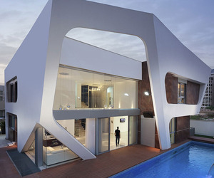 Neighborhood XVII Residence by Zahavi Architects