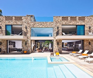 Nestled on the bluffs of Malibu Beach