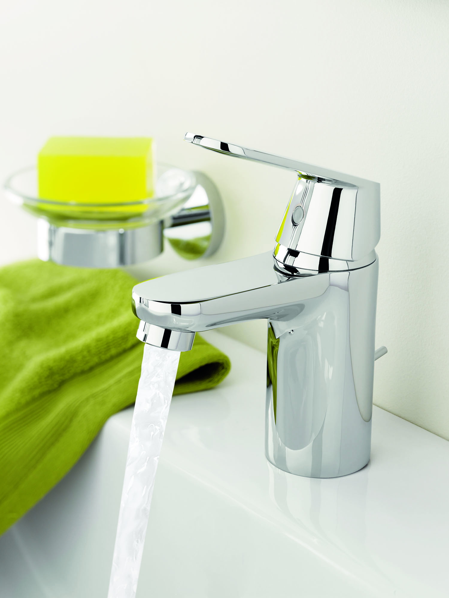 new grohe eurosmart cosmo faucets. Black Bedroom Furniture Sets. Home Design Ideas
