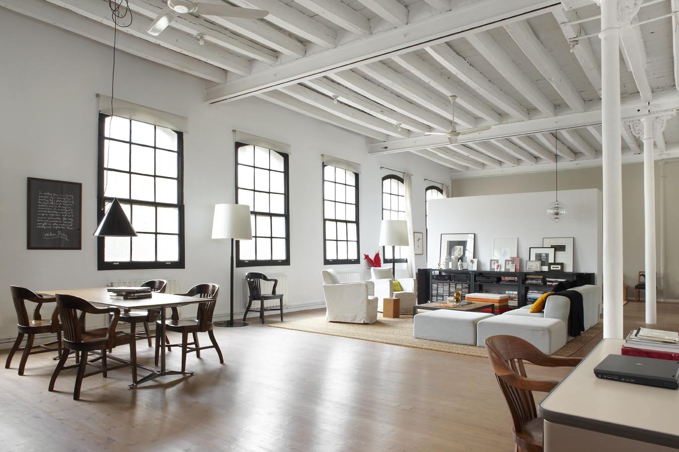 New york style loft in downtown barcelona shoot 115 for Loft new york affitto