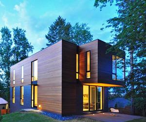 Nexus House by Johnsen Schmaling Architects