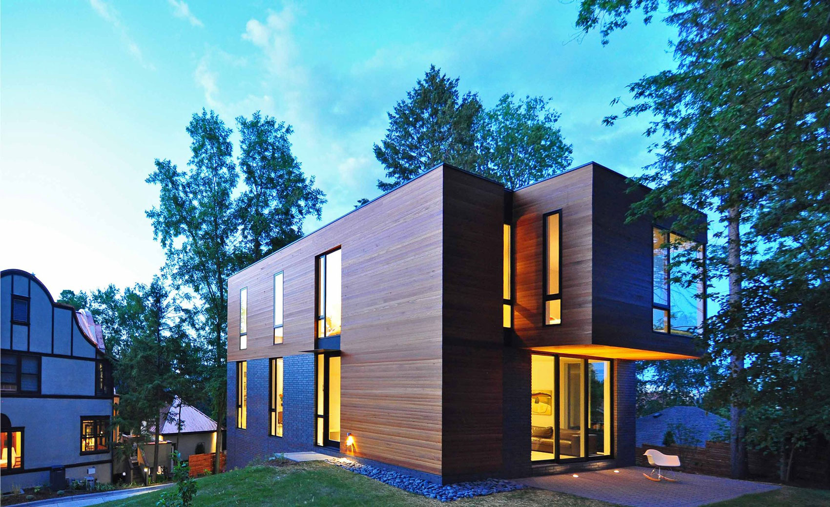 Nexus house by johnsen schmaling architects for Home builders wisconsin