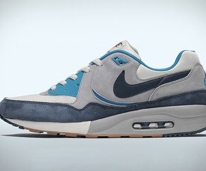 Nike Air Max Light | Exclusive Easter Edition