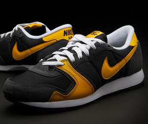 Nike Air Vengeance | Black & Yellow