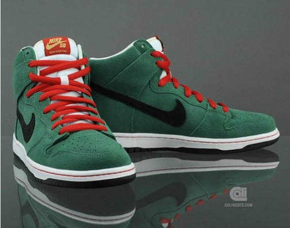 promo code b91f9 78076 Nike SB Dunk – Heineken x Budweiser Beer Bottle Pack