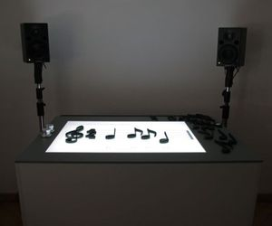 Notput interactive table lets you learn the music