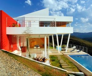 Nova Lima House by Morato Arquitetura