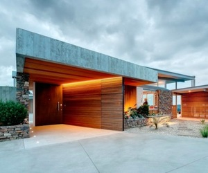 Okura House by Bossley Architects