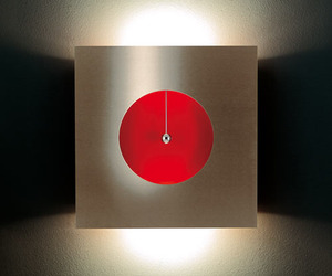 Omikron Touch Me Wall Light
