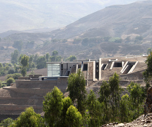 Pachacamac House by Longhi Architects