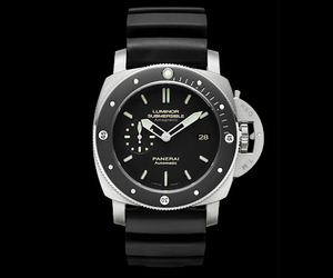 Panerai PAM 389 Luminor Submersible