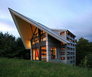 Pastoral Meets Modern in Quebec Home by YH2