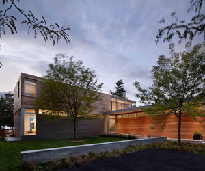 Peconic Bay Residence by Stelle Architects