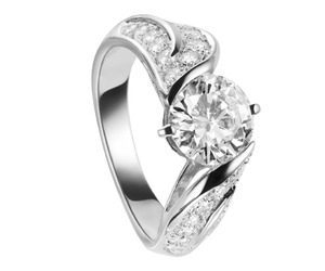 Perfect Engagement rings by Van Cleef & Arpels
