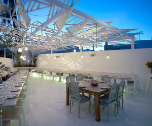 Phos Restaurant by LMarchitects