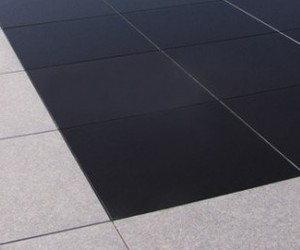 Photovoltaic Walkable Roof System from Onyx Solar