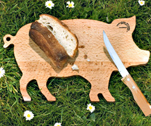 Pig-Shaped Wood Cutting Board