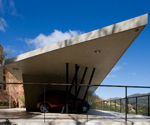 PL House by Fernando Maculan and Pedro Morais