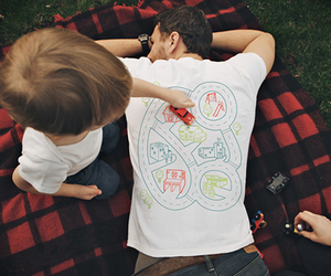 Play Mat Back Massage T-shirt