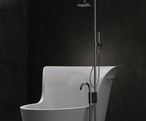 Plum – BATH & SHOWER
