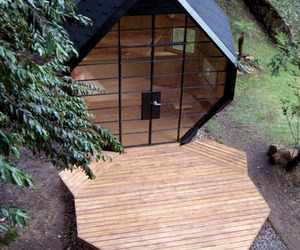 Polyhedron-Shaped Garden / Office Pod